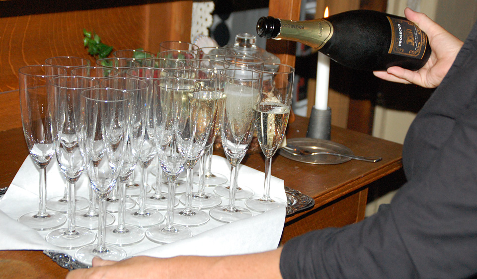 Champagne Hos Märtas Mat Lysekil